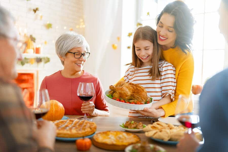 how to have a safe thanksgiving